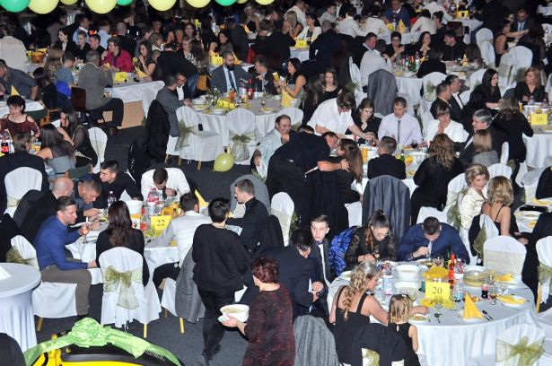 Mintegy hatszáz vendég kapcsolódott ki és támogatott egyben jótékony célt (Fotó: Rajki Judit)