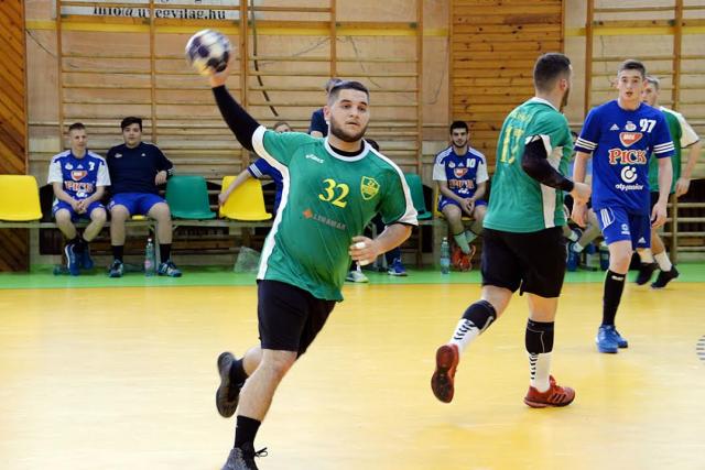 Simon (32) góllal vette ki részét a győzelemből (Fotó: Rajki Judit - OrosCafé.hu)