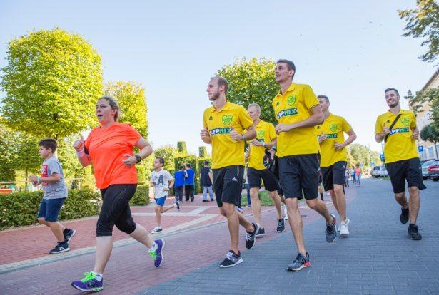 Az NB I-es férfi kézilabdázók is futottak (Fotó: Rosta Tibor)
